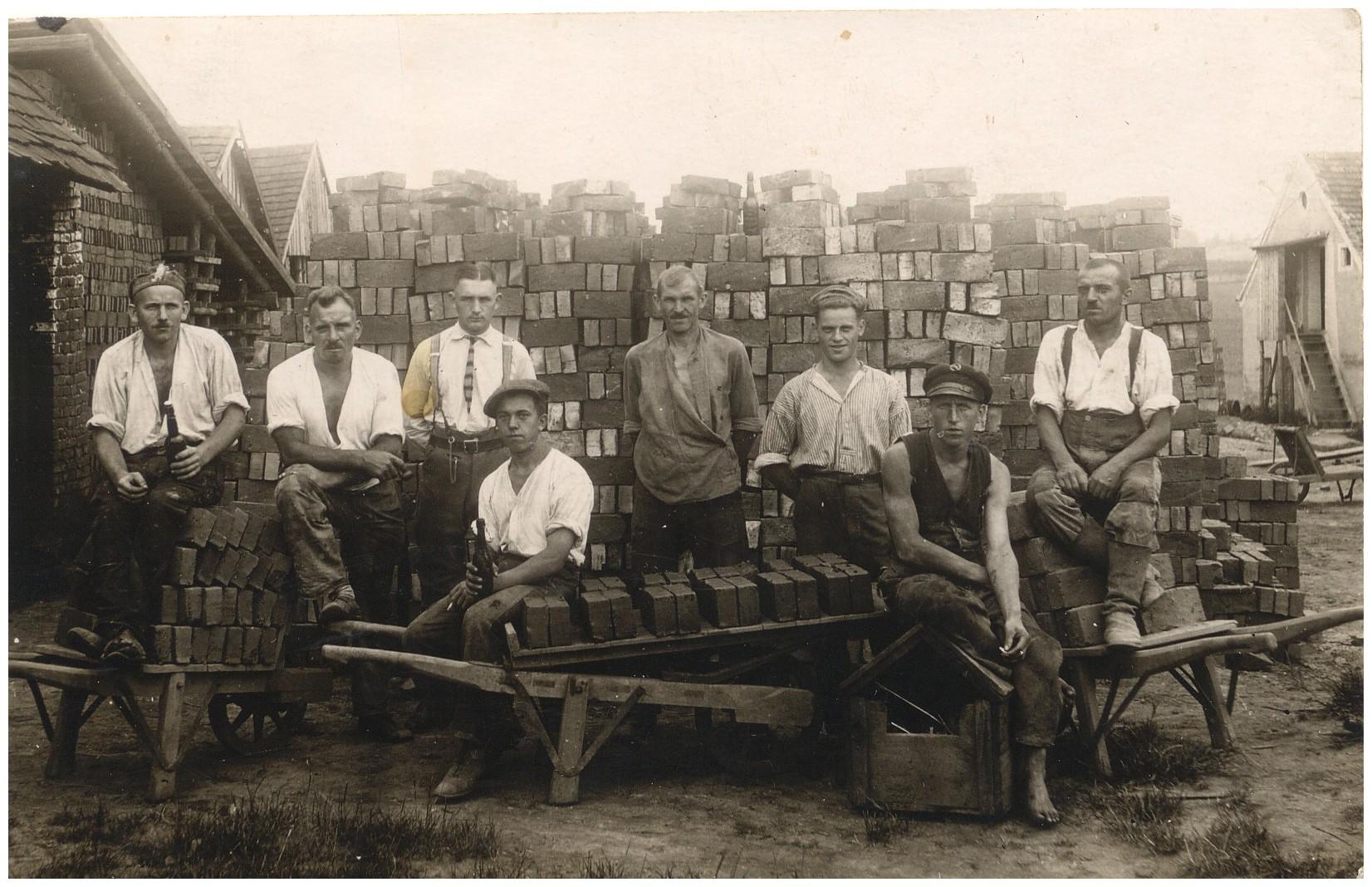 1930_Paul auf dem Bau