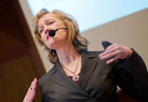 Dr.Sylvia-Löhken auf der Bühne, Foto S. Löhken